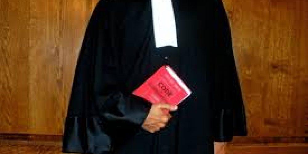 Pénal: avocat, droits de la défense et libre communication avec le client